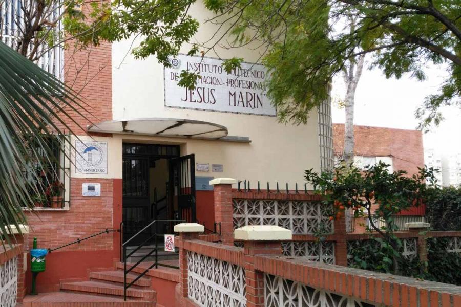 Desfibrilador externo instalado en Instituto público de Málaga
